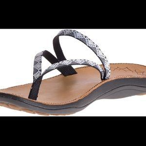 a4f6ecb49346 Chaco Shoes - Women s Chaco Abbey- Peaks Black   White ...
